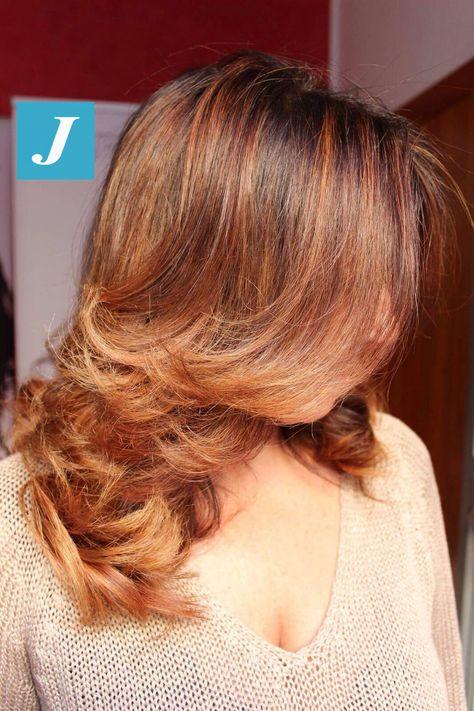 Le sfumature autunnali tra i capelli... #cdj #degradejoelle #tagliopuntearia #degradé #igers #musthave #hair #hairstyle #haircolour #haircut #longhair #ootd #hairfashion