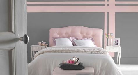 Gris et rose : un duo de charme. Un gris building pour la modernité, un rose poudré pour la douceur. Un rendu poétique pour cette chambre à coucher dans laquelle il fait bon se prélasser... http://www.castorama.fr/store/pages/zoom-sur-peinture-grise-boudoir-ecossais.html