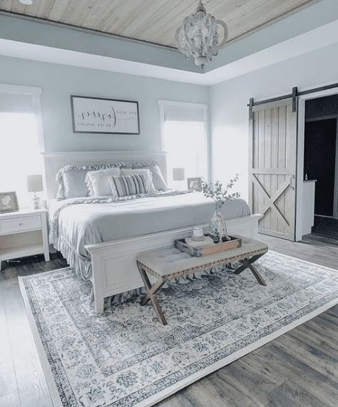 Stunning White Master Bedroom Ideas Match For Any Home Design Farmhouse Master Bedroom, Master Bedroom Design, Home Decor Bedroom, Living Room Decor, Bedroom Ideas, Living Rooms, Bedroom Furniture Makeover, Bedroom Rustic, Bedroom Inspiration