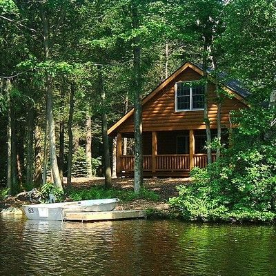 Find some of the best luxury Pocono Mountain cabin rentals in PA at Mountain Springs Lake Resort. Getaway Cabins, Lake Cabins, Cabins And Cottages, Bar Design, Home Design, Wm Logo, Cabin In The Woods, Cabin On The Lake, Cabins In The Mountains