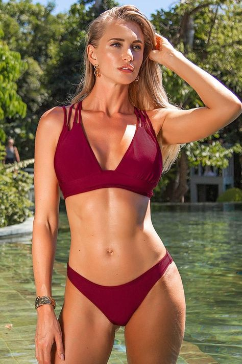 This gorgeous red bikini and so many other bathing suits are on sale for up to 40% off at Cupshe! #sale #bathingsuits #memorialday #bikini #cutebikini *affiliate link
