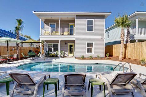 Sunset Grace 7b 6ba Priv Salt Pool Vacation Rental In Destin Florida View More Destinfloridavacationrental Pool Houses Condos In Florida Renting A House