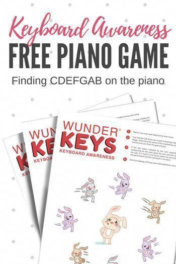 Free, printable piano game to help primer-level piano students learn to recognize and name keys on the piano #PianoGame #PrimerPiano #PianoLesson #PianoTeaching #PianoFreebie