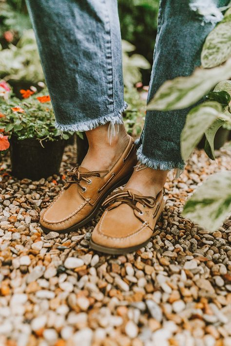 Sperry Boat Shoes for Spring | LivvyLand (With images