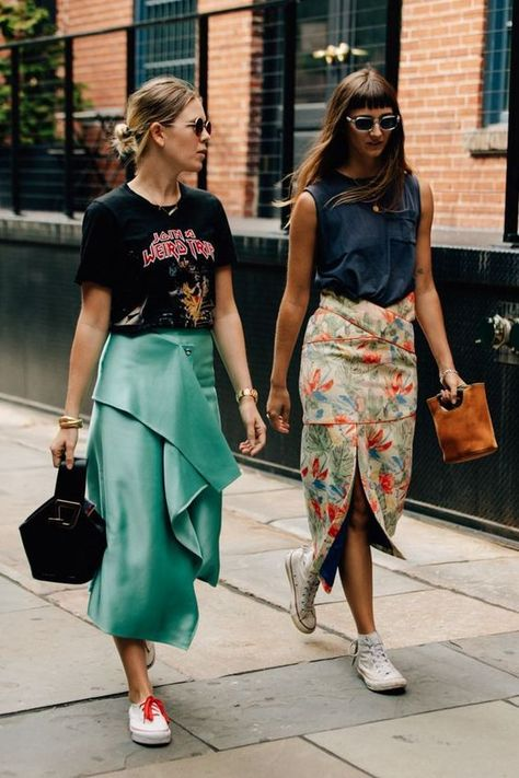 spring skirts, skirt outfits, graphic tees and skirts, sneakers and skirt outfits, floral skirt