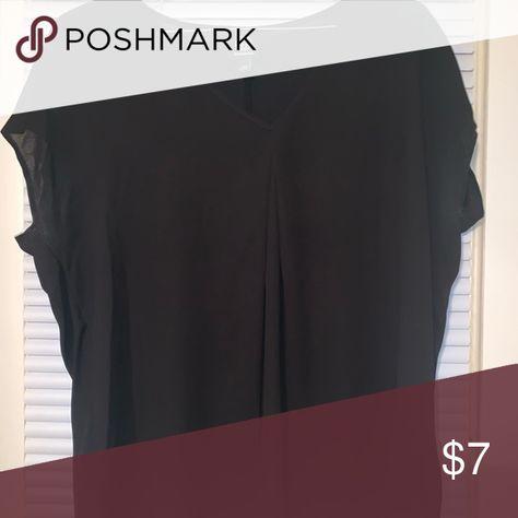 Women's top✨ . Tops Tees - Short Sleeve