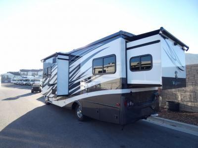 New 2018 Tiffin Motorhomes Wayfarer 24 Bw Motor Home Class C