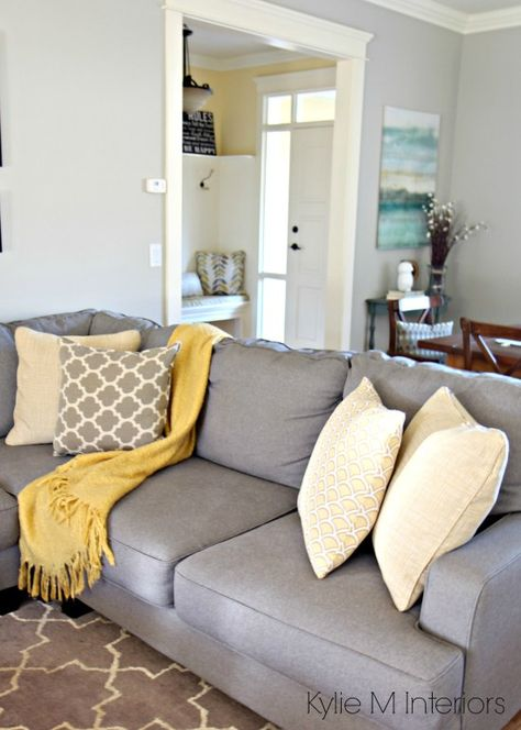 Gray And Yellow Living Room With Grey Wall Paint Color Plus Wall Mirror Designs Gre Blue And Yellow Living Room Yellow Decor Living Room Blue Grey Living Room