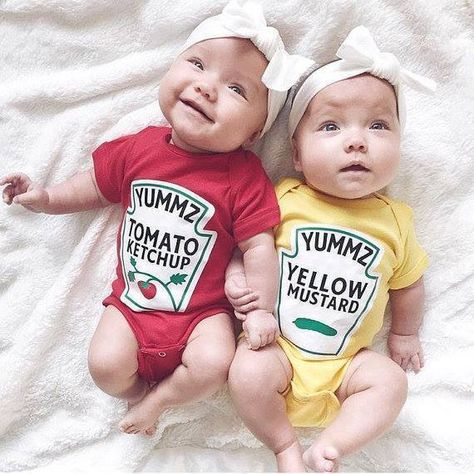 Twins Gift, Premium Ketchup and Mustard Outfits Licensed by Heinz - Funny Baby Outfits So Cute Baby, Cute Twins, Fun Baby, Happy Baby, Funny Baby Clothes, Funny Babies, Cute Babies, Funny Twins, Twin Baby Clothes
