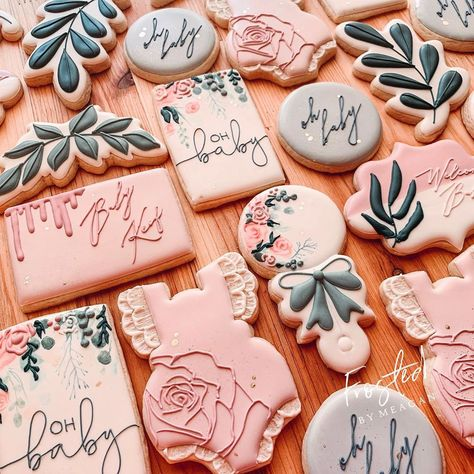 Floral blush tones baby shower cookies with greenery Baby Cookies, Baby Shower Cookies, Cute Cookies, Easter Cookies, Birthday Cookies, Royal Icing Cookies, Sugar Cookies, Heart Cookies, Valentine Cookies