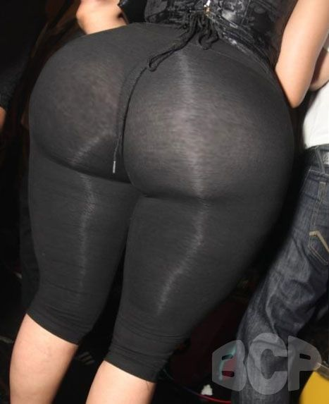 Phat booty bbw in black leggings