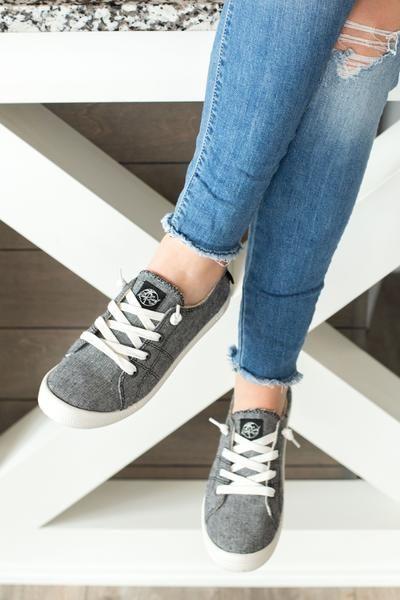 Bayshore Roxy Sneaker- Black | Casual