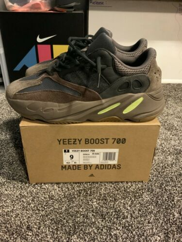 Adidas Yeezy Boost 700 Mauve Wave Size
