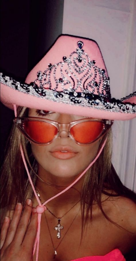 See more of sunshinelifee's content on VSCO. Cowgirl Halloween Costume, Halloween Outfits, Group Halloween Costumes, Halloween 2020, Cowgirl Costume For Women, Group Costumes, Couple Halloween, Halloween Stuff, Halloween Makeup
