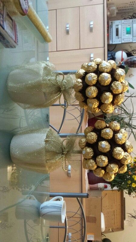 Great Screen Golden Wedding Golden Wedding Wedding Gift Idea Tree Style When Buying Specific Weddi In 2020 Golden Anniversary Gifts Golden Wedding Wedding Gifts