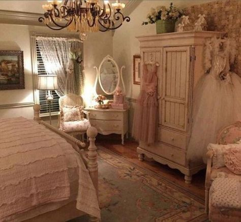 a gorgeous and very shabby chic bedroom with such a romantic feel to it a