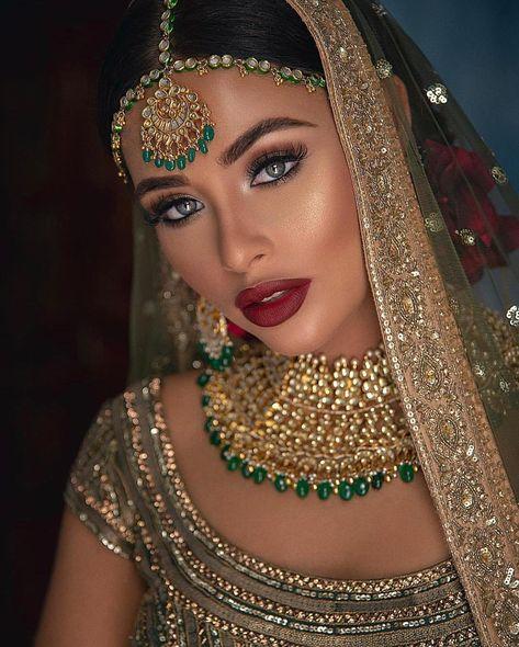 Wedding indian makeup bridal looks receptions ideas for 2020 Indian Makeup Looks, Fall Makeup Looks, Bridal Makeup Looks, Bridal Looks, Bridal Beauty, Desi Bride, Desi Wedding, Bengali Wedding, Beige Wedding
