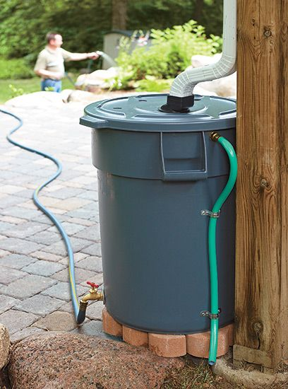 Save water with this DIY rain barrel: Looking for your next project? We have the full instructions for making a rain barrel out of a heavy-duty trash can. Barrel Save water with this DIY rain barrel Garden Yard Ideas, Backyard Projects, Outdoor Projects, Lawn And Garden, Garden Projects, Home Projects, Garden Gate, Rain Garden, Garden Beds