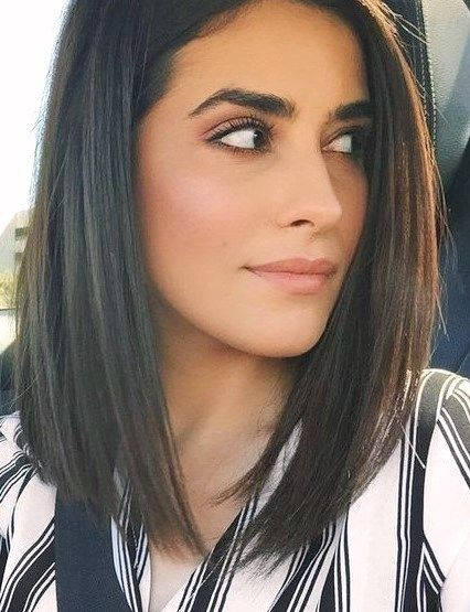 30 Stunning Shoulder Length Haircuts Dailyfeedpins Com Medium Hair Styles Short Straight Hair Medium Length Hair Straight