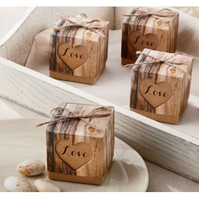 Like initials carved into a tree, Rustic Tree Wedding Favor Boxes make a love-filled statement. Rustic Tree Wedding Favor Boxes have a wood-grain pattern and twine bows on brown cardstock. Affordable Wedding Favours, Vintage Wedding Favors, Creative Wedding Favors, Elegant Wedding Favors, Edible Wedding Favors, Wedding Gifts For Guests, Wedding Favor Boxes, Wedding Favors For Guests, Personalized Wedding Favors