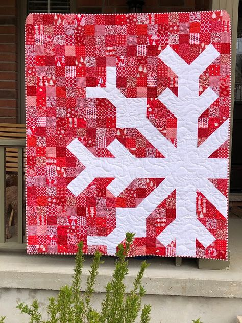Christmas Quilt Patterns, Christmas Sewing, Christmas Crafts, Christmas Quilting, Lap Quilts, Scrappy Quilts, Quilt Blocks, Quilting Projects, Quilting Designs