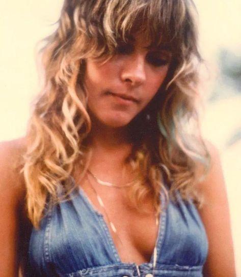 Stevie Nicks 70s, Stevie Nicks Fleetwood Mac, Rock Hall Of Fame, 70s Aesthetic, Stevie Ray Vaughan, Keith Richards, Def Leppard, Mick Jagger, Gypsy Style