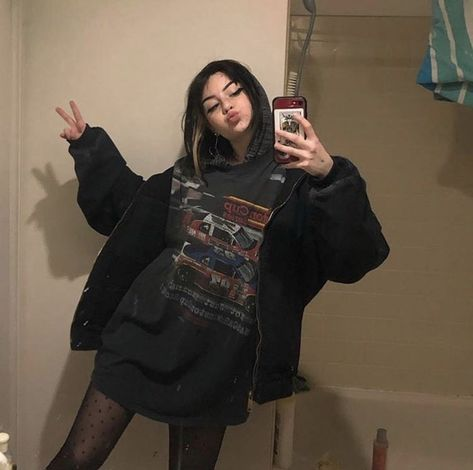 sub my inst🔪 Adrette Outfits, Skater Girl Outfits, Cute Casual Outfits, Retro Outfits, Fashion Outfits, Cute Grunge Outfits, Grunge Clothes, Grunge Dress, Mode Emo