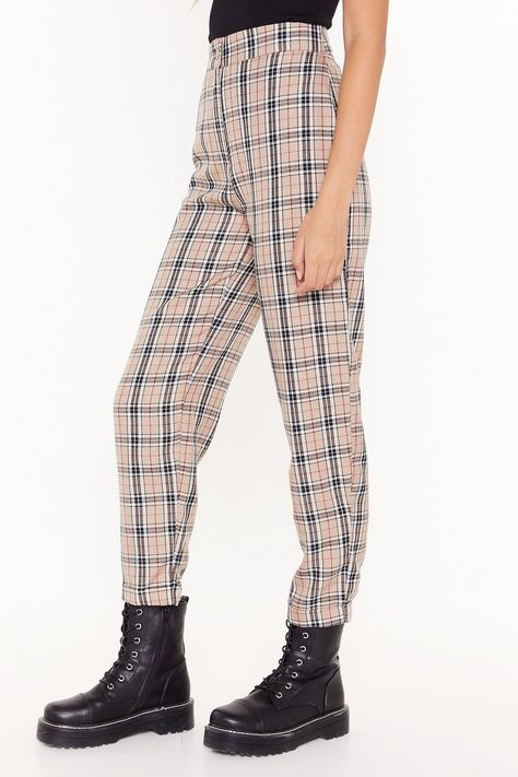 Vintage Outfits Discover Lets Take a Rain Check Tapered Pants Karohosen Outfit, Plaid Pants Outfit, Funky Pants, Cute Pants, 90s Pants, Grunge Outfits, Funky Outfits, Plus Size Bikini Bottoms, Cute Comfy Outfits
