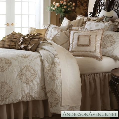 Cameo Bedding Collection By Michael Amini With Images Luxury