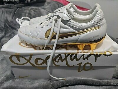 seriamente Miserable Tulipanes  Advertisement(eBay) Nike Tiempo Legend V R10 Ronaldinho Touch Of Gold  Limited Edition Soccer Shoes in 2020 | Soccer shoes, Nike, Soccer