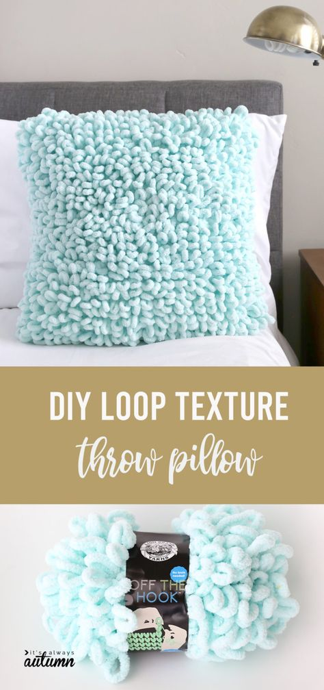 Learn how to finger knit this cool DIY throw pillow made with loop yarn . Learn how to finger knit this cool DIY throw pillow made with loop yarn Crochet afghan Make a gorgeous loop texture throw pillow (it's easy!) - It's Always Autumn Finger Knitting Projects, Yarn Projects, Crochet Projects, Diy Throws, Diy Throw Pillows, Cool Diy, Finger Crochet, How To Finger Knit, How To Knit