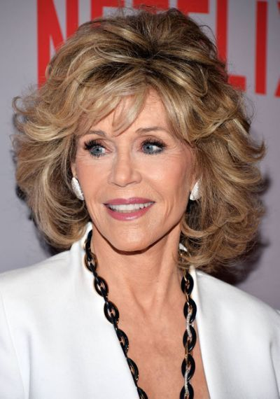 Curly And Shaggy Jane Fonda Hairstyles Hairstyles Haircuts Hair Style Recogido