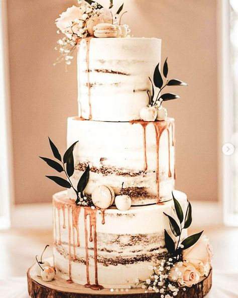 12 Charming Semi-Naked Cakes - Find Your Cake Inspiration Are you seeing this cake trend of semi-naked cake and loving it? Get semi-naked cake inspiration from Find Your Cake Inspiration Wedding Cake Rustic, Beautiful Wedding Cakes, Perfect Wedding, Fall Wedding, Our Wedding, Dream Wedding, Wedding Rings, Beautiful Cakes, Simple Elegant Wedding