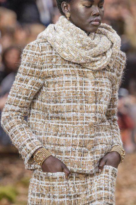 2018 Runway Pictures - Chanel at Paris Fashion Week Fall 2018 – Details Runway Photos -Chanel Fall 2018 Runway Pictures - Chanel at Paris Fashion Week Fall 2018 – Details Runway Photos -Fall 2018 Runway Pictures - Chanel at Paris Fashion Week.
