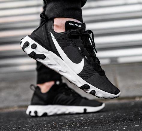 c8a86b655d6b Nike React Element 55 Black White aux pieds (6)