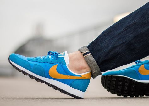 cheap for discount 63d13 de481 Nike Air Pegasus 83  Blue Yellow