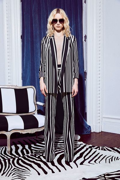 Alice + Olivia Resort 2018 - These Resort Coats Will Make You Long for Fall - Photos