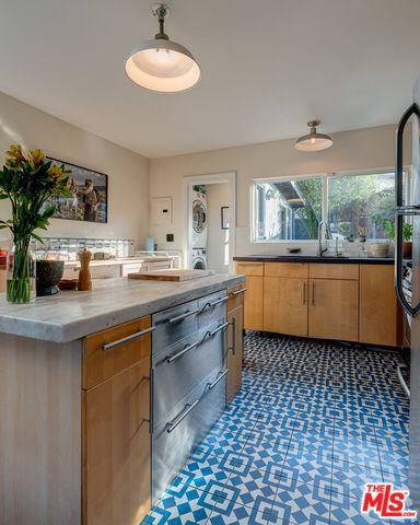 Https Www Redfin Com Ca Los Angeles 2210 India St 90039 Home 7067486 Utm Source Ios Share Utm Medium Share Utm Nooverride 1 Utm Conte Kitchen Home Home Decor