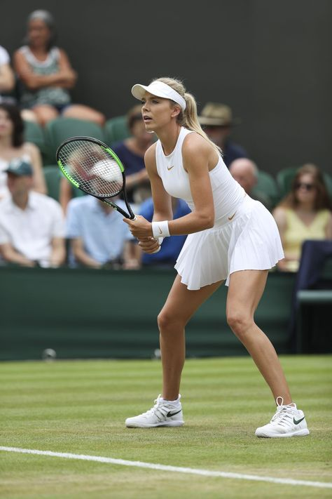 10 Things British Tennis Player Katie Boulter Loves On and Off the Court- Townan… 10 Dinge, die die britische Tennisspielerin Tennis Fashion, Sport Fashion, Look Fashion, Maria Sharapova, Katie Boulter, Tennis Photography, Tennis Pictures, Tennis Players Female, Outfits Mujer