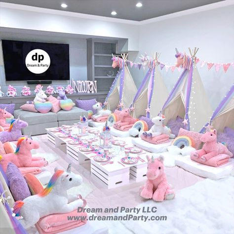 Discover recipes, home ideas, style inspiration and other ideas to try. Birthday Sleepover Ideas, Sleepover Room, Slumber Party Games, Slumber Parties, Unicorn Themed Birthday, Unicorn Party, Slumber Party Decorations, Deco Jungle, Teepee Party