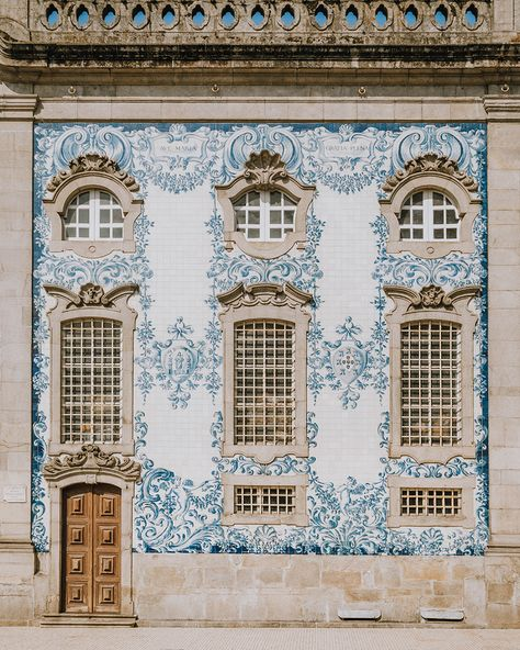 Igreja do Carmo, Porto, Portugal. Photo by 11 March Porto Portugal, Spain And Portugal, Portugal Travel, Portuguese Culture, Portuguese Tiles, Like Instagram, Instagram Posts, Best Cities In Europe, Travel Europe