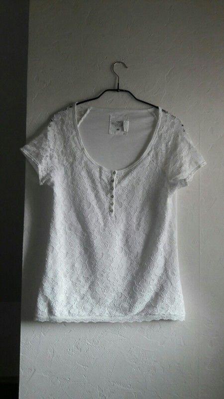 15c82f64c6cde Süßes blaues kurzärmeliges T-Shirt mit weißen Punkten, Größe XS |  Kleiderkreisel | T-shirt, Shirts und Blau
