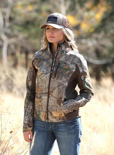 Realtree Camo Cinch Women Jacket This is Katie when she is out in the field. Country Girl Outfits, Country Girl Style, Country Women, Country Fashion, Country Girls, Cowboy Girl Outfits, Summer Cowgirl Outfits, Western Outfits, Southern Style