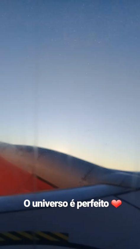 """Viajar de avião era um sonho antigo. Desde quando criei o projeto eu pensava nisso constantemente. No entanto, """"como eu poderia escrever sobre viagens se nunca tinha feito uma viagem de avião?"""" Era a pergunta que eu me fazia todos os dias. Esses 02 anos de projeto me ajudou a desconstruir o conceito de """"viajar"""" e me ensinou a ser mais paciente. O lema que tomei pra mim nesse período foi: """"tudo tem seu tempo"""""""
