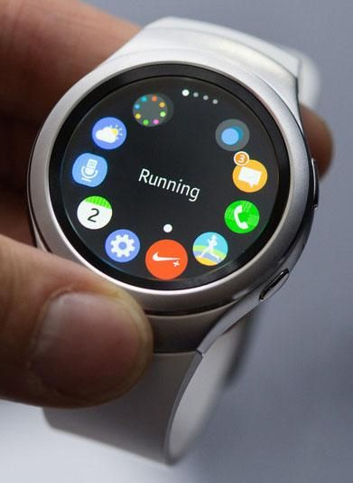 Samsung Gear S2 smartwatch will cost less than an Apple Watch~My Dad has this ✨
