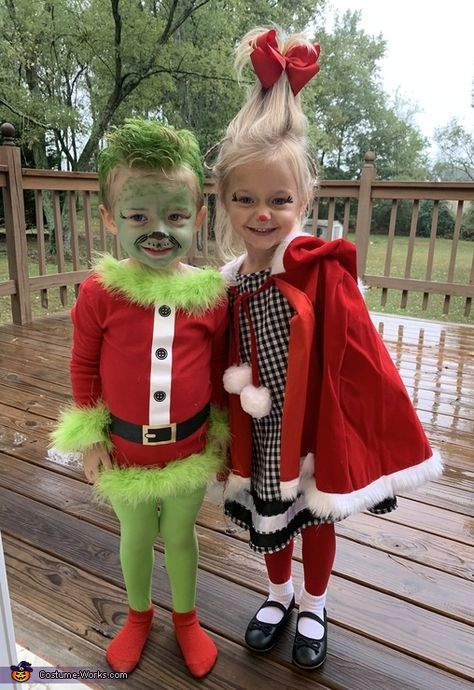 cute halloween costumes The Grinch amp; Cindy Lou Costume - 2019 Halloween Costume Contest cute halloween costumes The Grinch amp; Halloween Outfits, Little Girl Halloween Costumes, Twin Halloween, Halloween Costume Contest, Grinch Halloween, Costumes Kids, Halloween Halloween, Christmas Costumes, Halloween Office