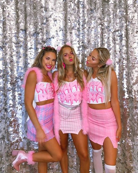 Discover recipes, home ideas, style inspiration and other ideas to try. Cute Group Halloween Costumes, Costumes For Teens, Halloween Outfits, Sorority Halloween Costumes, Bratz Halloween Costume, Halloween Rocks, Sorority Bid Day, Sorority Outfits, Sorority Sisters