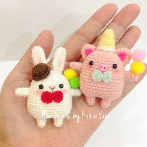 "☆🎈Katie  Yuen🎈☆ on Instagram: ""胖嘟嘟小兔 🐰与小猪🐷 (原创@微博: 茶小双) #amigurumiaddict #amigurumi #amigrumi #amigurumidoll #crocheting #crochet #crochetdoll #diy #doll #häkeln #haken…"""