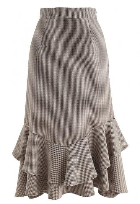 Kebaya Lace, Casual Dresses, Fashion Dresses, Islamic Fashion, Tweed Dress, Tiered Skirts, Blouse And Skirt, Dress Suits, Classy Dress