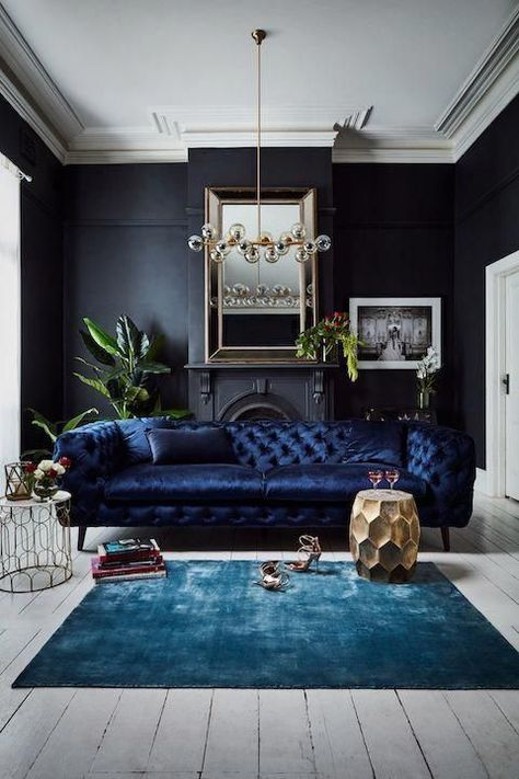 Juel in your Crown – The Juel Chesterfield Sofa is a statement in luxury and definitely a worthy contender for Sofa Swoon. Juel in your Crown – The Juel Chesterfield Sofa is a statement in luxury and definitely a worthy contender for Sofa Swoon. Interior Wall Colors, Interior Walls, Living Room Interior, Living Room Decor Elegant, Interior Livingroom, Lobby Interior, Dark Living Rooms, Home And Living, Blue Velvet Sofa Living Room